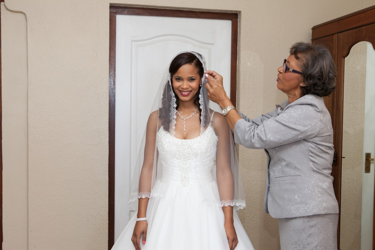 Durban wedding photographer Jaimie and Stephen's Christian Wedding at Bluff Country Club KZN wedding photographer